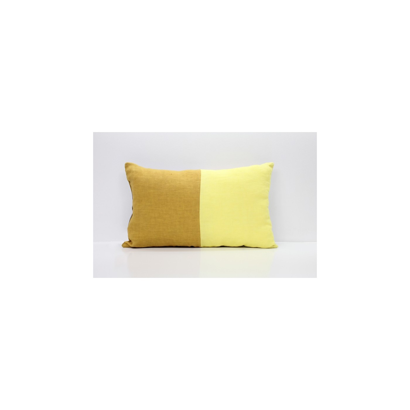 coussin moitie jaune yadayada. Black Bedroom Furniture Sets. Home Design Ideas