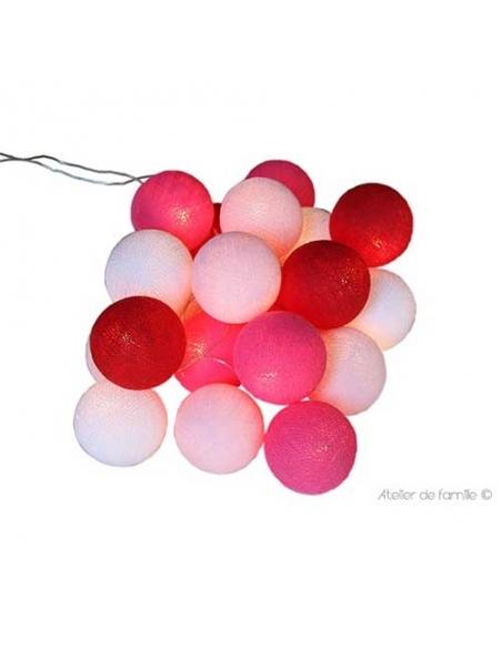 guirlande lumineuse allumée - rouge et rose