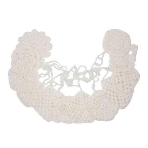 Guirlande au crochet, Blanc